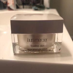 Laura Mercier flawless skin moisturizer
